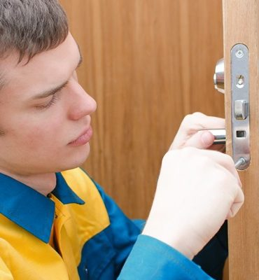 How to Pick the Best Locksmith in Your Area